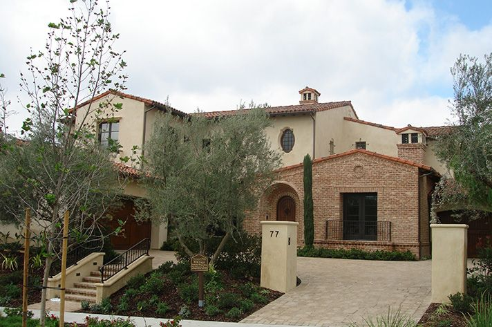 Glen-Gery's Barlow Handmade Brick is the perfect choice for this Mediterranean style California home! glen-gery, brick, brick home, handmade brick, Mediterranean