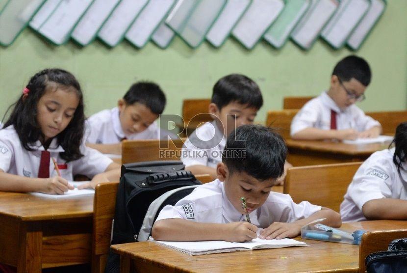Kemendikbud Pendidikan Harus Ikuti Perkembangan Zaman Pendidikan Pengikut Pendidikan Tinggi