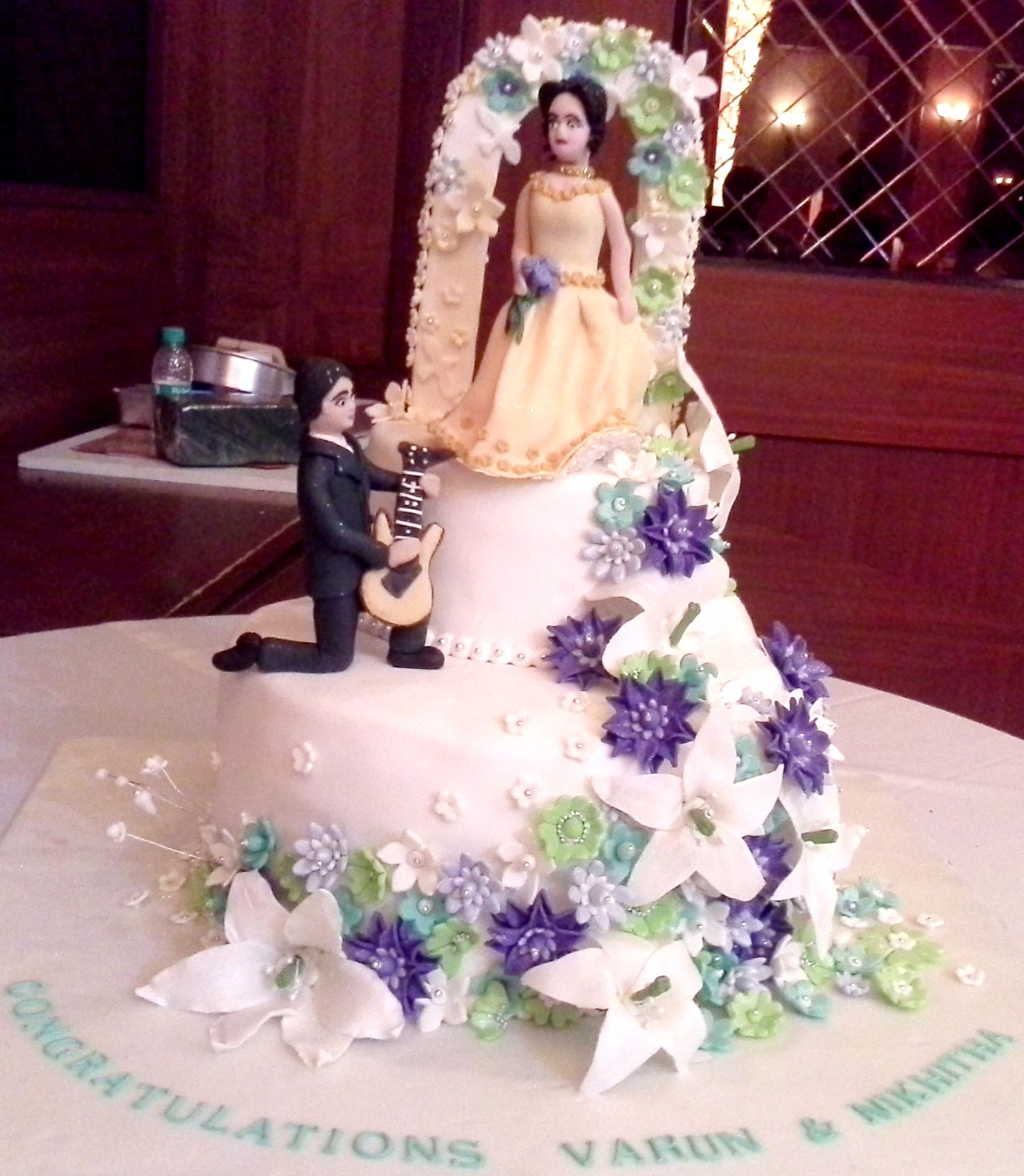 Custom designed birthday, anniversary, wedding cakes.Order