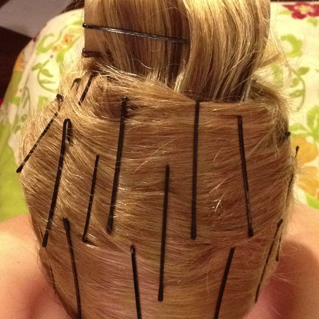 White Girl Hair Wrap Aka Doobie It S Heatless Non Damaging To Hair Inexpensive And Quick It S A Perf Straight Hairstyles Hair Repair Heatless Hairstyles