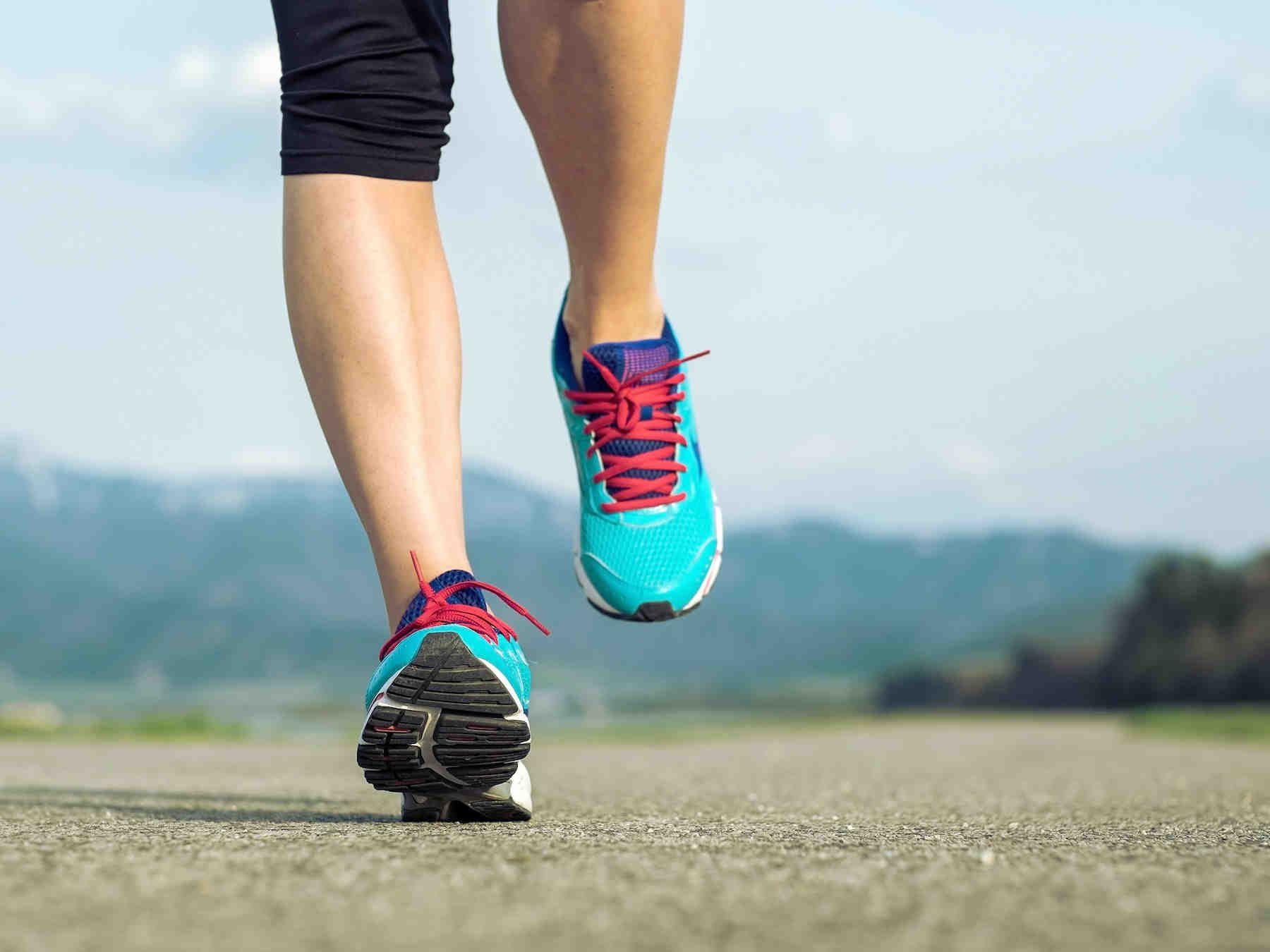 Koordinaatioharjoitusten avulla löydät korkean ja ryhdikkään juoksuasennon. Lisäksi ne auttavat treenaamaan jalkojen ojentajalihaksia ja parantamaan...