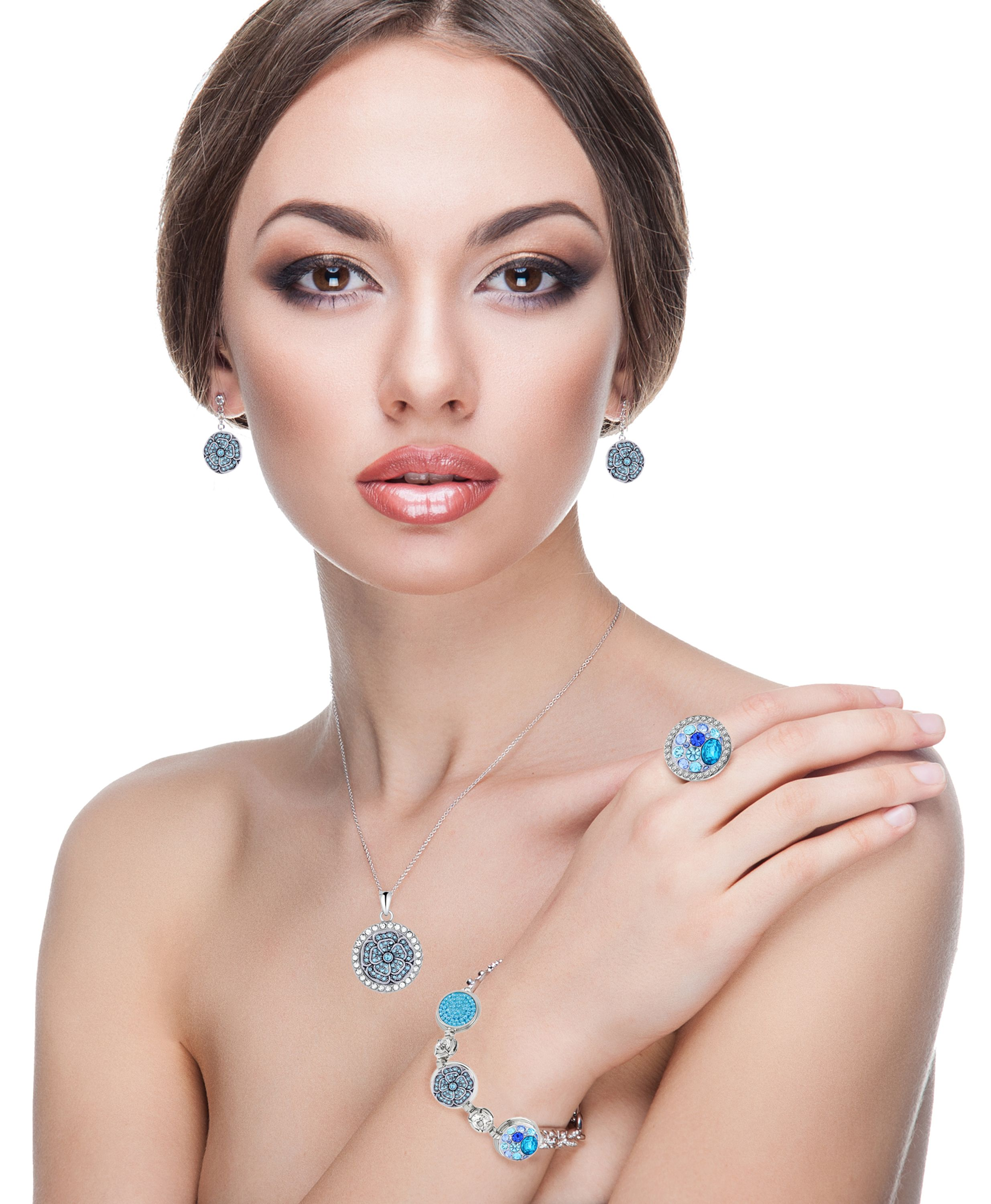 Wear Bi-Joux and always shine at any occasion... #jewelry http://www.bi-bag.it/en/20-necklace