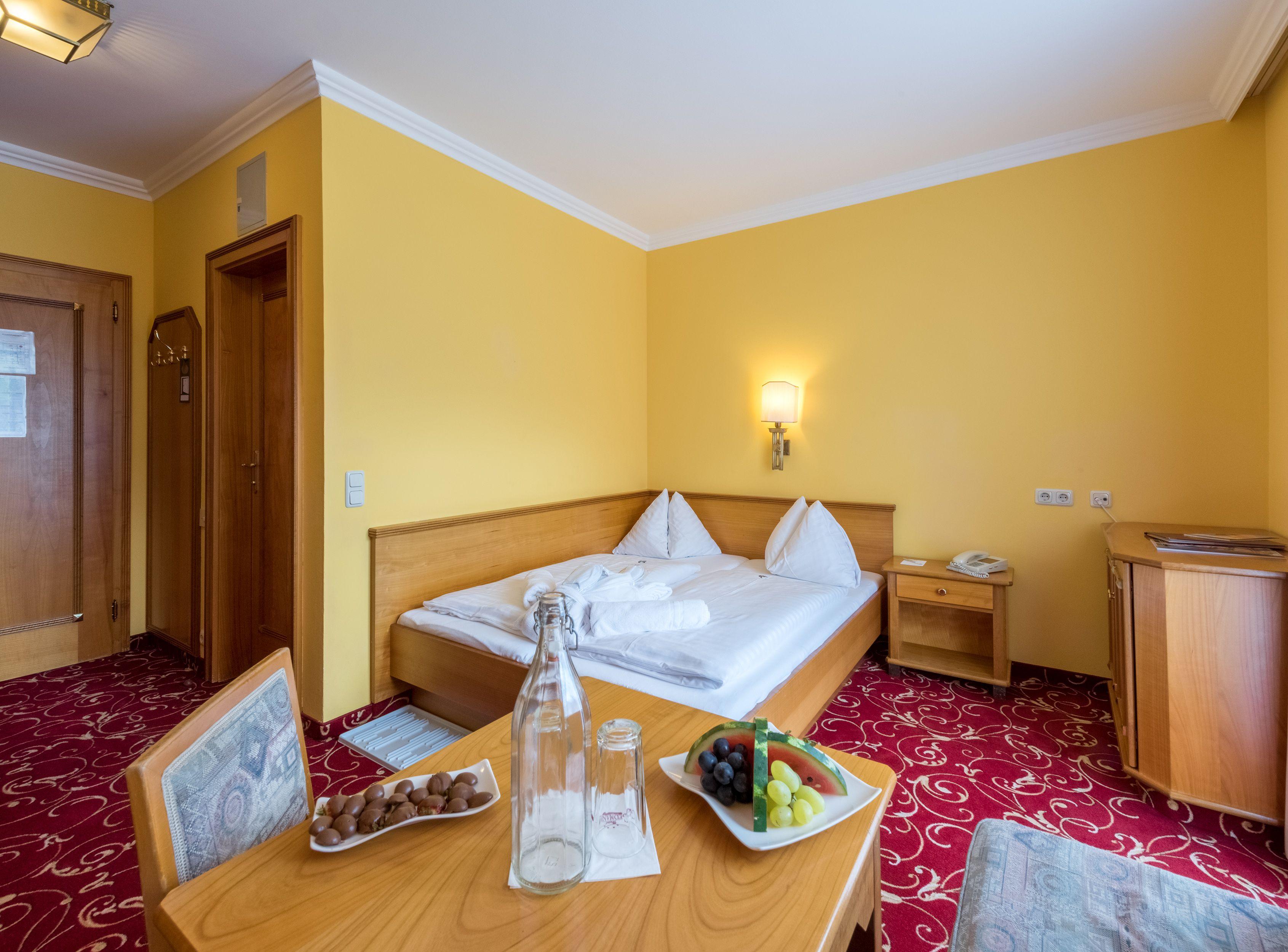 Ca. 21m² - Gemütliche Doppelzimmer mit Grand-lit-Bett (1,60m x 2m ...