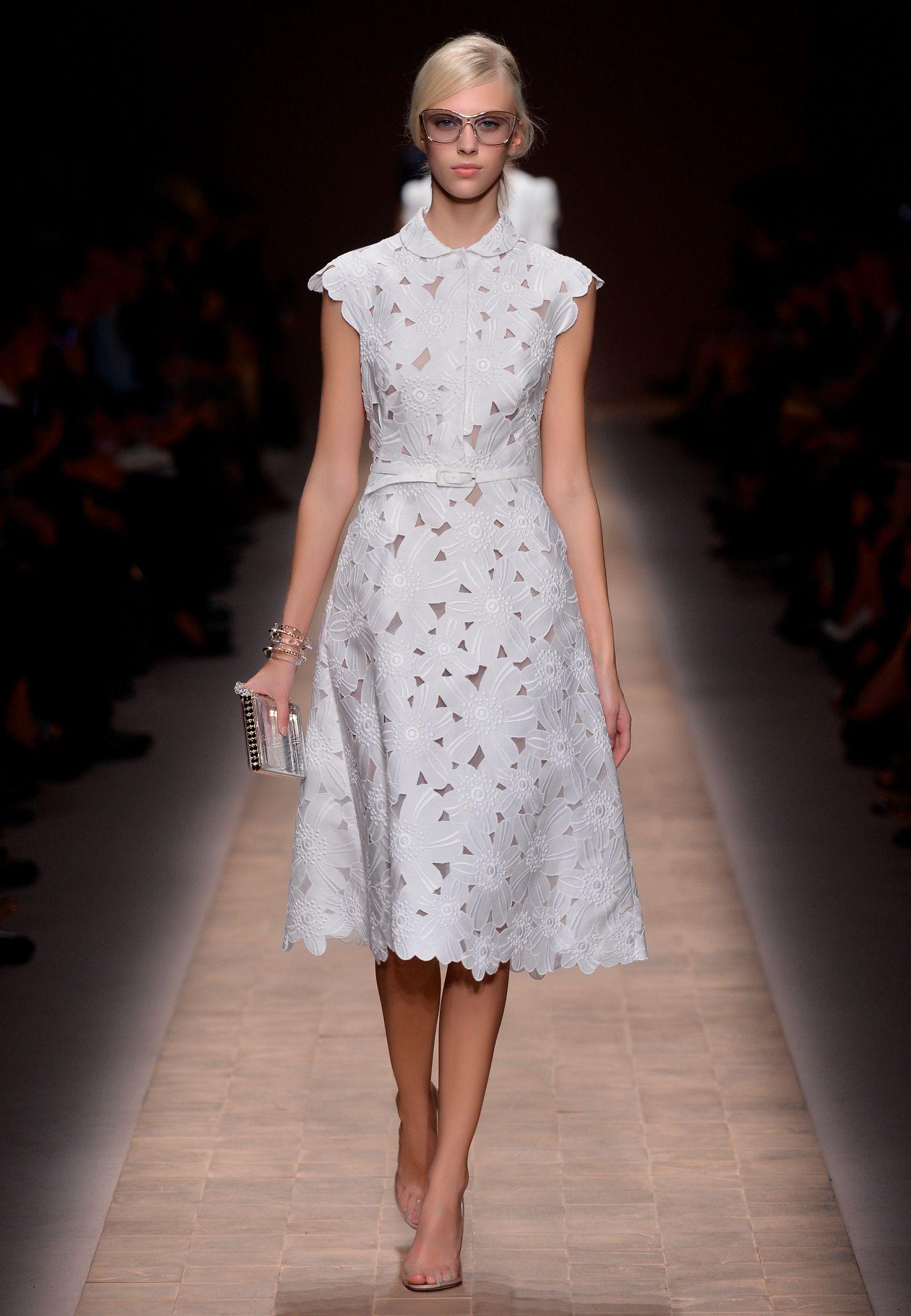 Valentino fashion | All White | Pinterest | Chantilly-spitze ...