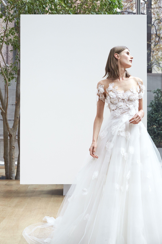 Oscar De La Renta Bridal Spring 2018 Fashion Show Wedding Dress