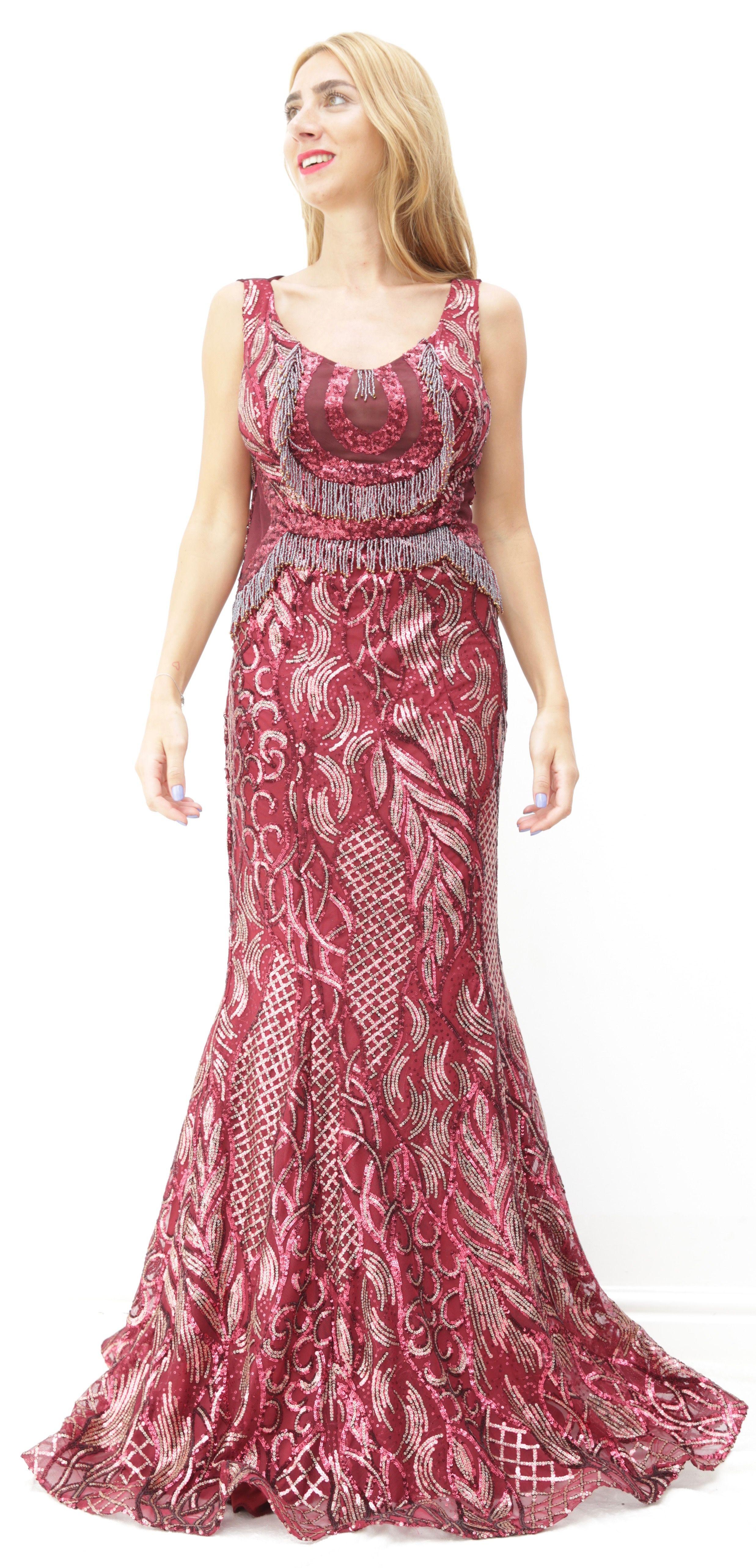 65beee10ab3 Sortez la femme glamour et chic en vous avec cette robe bordeaux à sequins  en forme