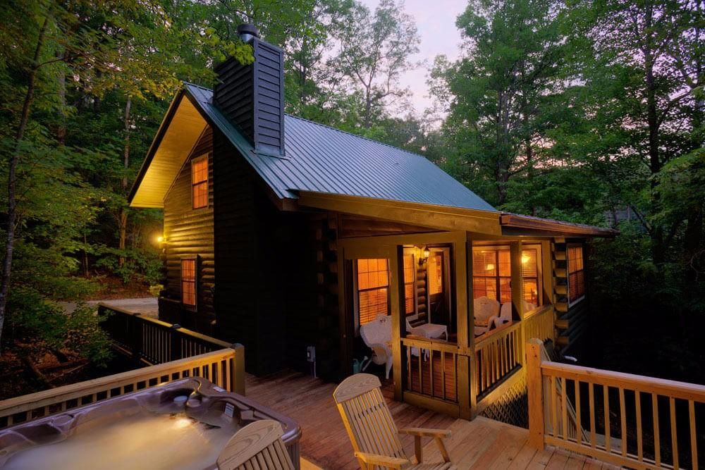 This North Georgia Mountain Cabin Is A Cute And Cozy North Georgia Cabin Rental With A Perfect Vi With Images