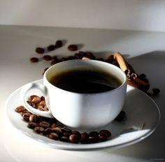 5 usos del café en el huerto