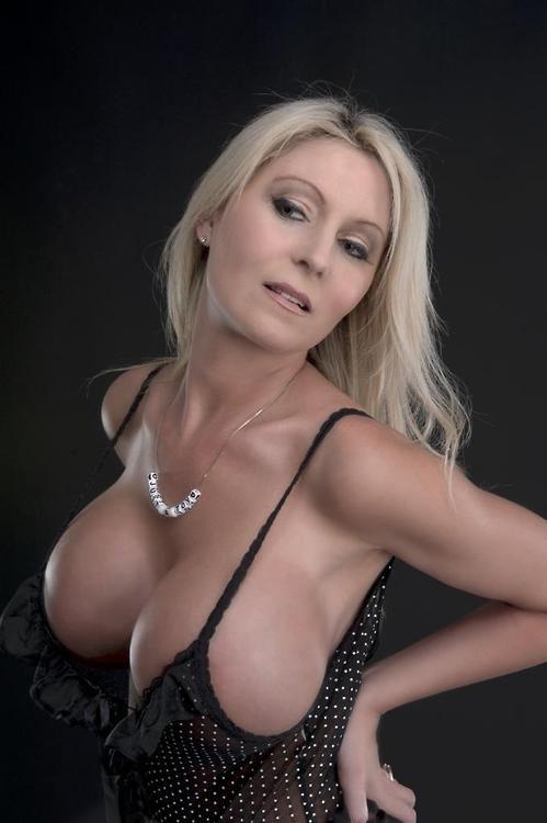 Kournikova bikini pictures