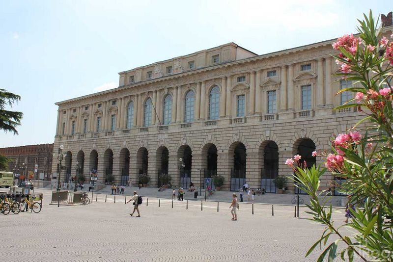 Palazzo della Gran Guardia - Verona, Italy ©ZAINOO | www.zainoo.com | #Veneto #Italia #Venetien #Italien