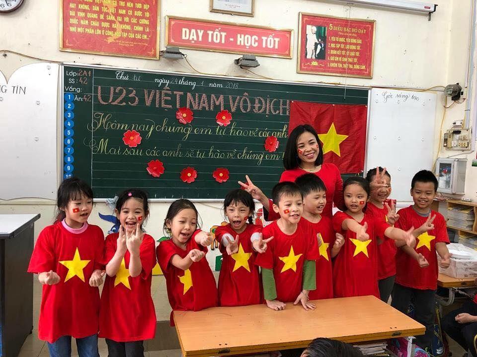 Áo cờ đỏ sao vàng trường tiểu học Đinh Tiên Hoàng - Hình 2