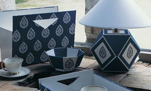 cartonnage un pied de lampe polygone lampe en carton pieds de lampe et pied de. Black Bedroom Furniture Sets. Home Design Ideas