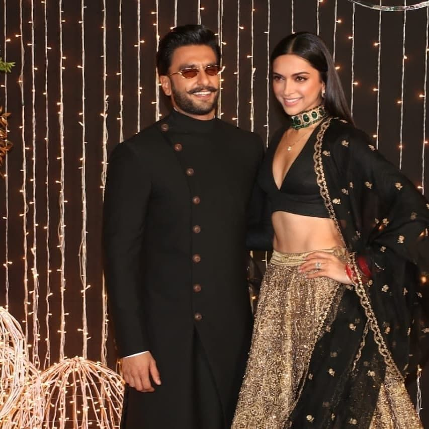 Newly Wed Couple Deepika Padukone And Ranveer Singh At Priyanka Chopra And Nick Jonas Wedding Reception At Indian Wedding Outfits Indian Outfits Diwali Dresses