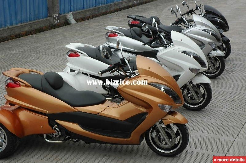 3 wheel motor bike handicapped three wheel scooter. Black Bedroom Furniture Sets. Home Design Ideas
