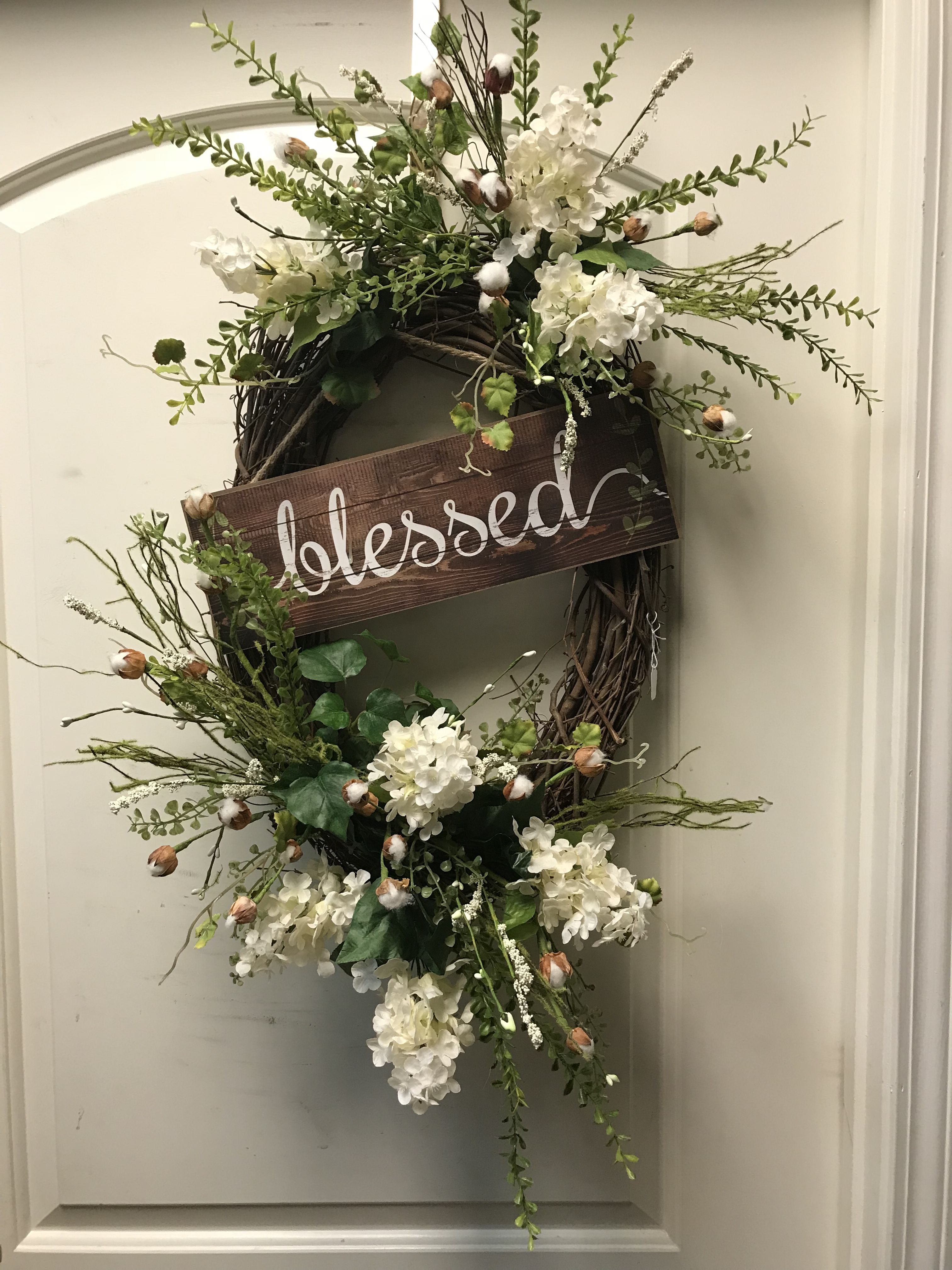 I Like The Sign On This One With Images Spring Door Wreaths
