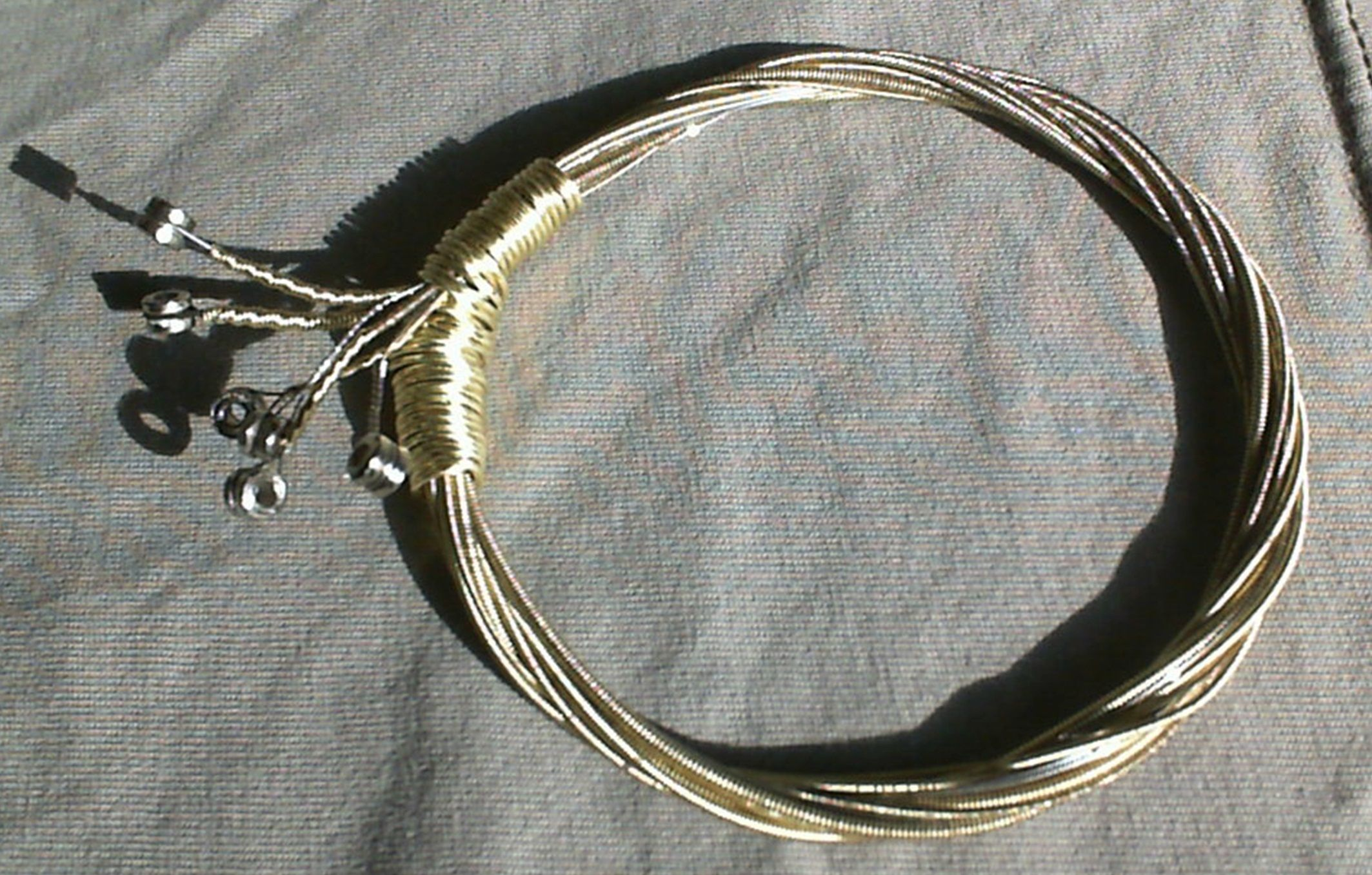 Final Old Guitar strings Bracelet. P_Gala