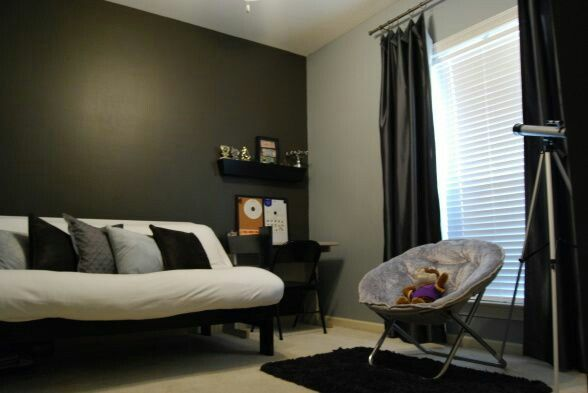 Futon Bedroom In 2019 Futon Bedroom Futon Bed Home Decor