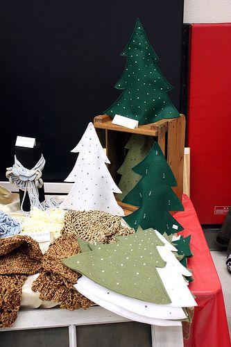 Small Home Big Start A Christmas Market Christmas Decor Diy Felt Christmas Tree Christmas Crafts