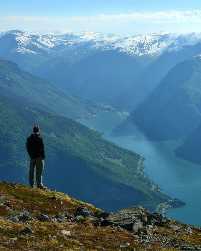 How would you like to have this view this summer? Photo: @aurlandphotography  #vangsgaarden #gjestgiveri #aurland #flam #flaam #flåm #sognefjord #fjordnorway #flåmsbana #flamrailway #stegastein #visitsognefjord #visitnorway #europe #travel #fjordsandbeaches #worldheritage #sognefjorden #fjord #norge #worlderlust #visitflam #norwayinanutshell #visitflåm #fjordnorway #norway #fjord #aurlandsfjord#travelgram #instatravel by vangsgaarden. fjordnorway #fjordsandbeaches #vangsgaarden…