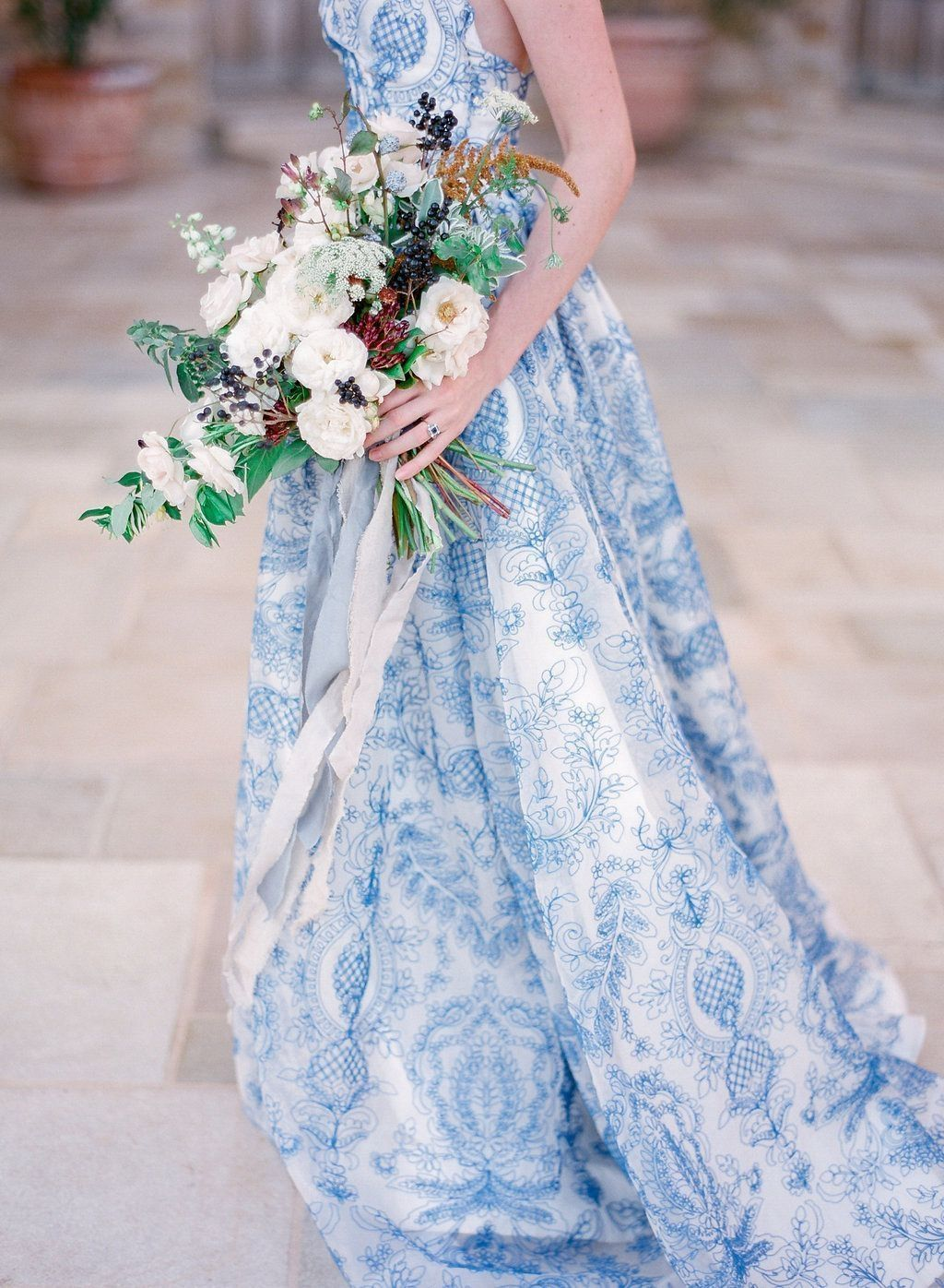 simple but romantic non traditional wedding dress ideas