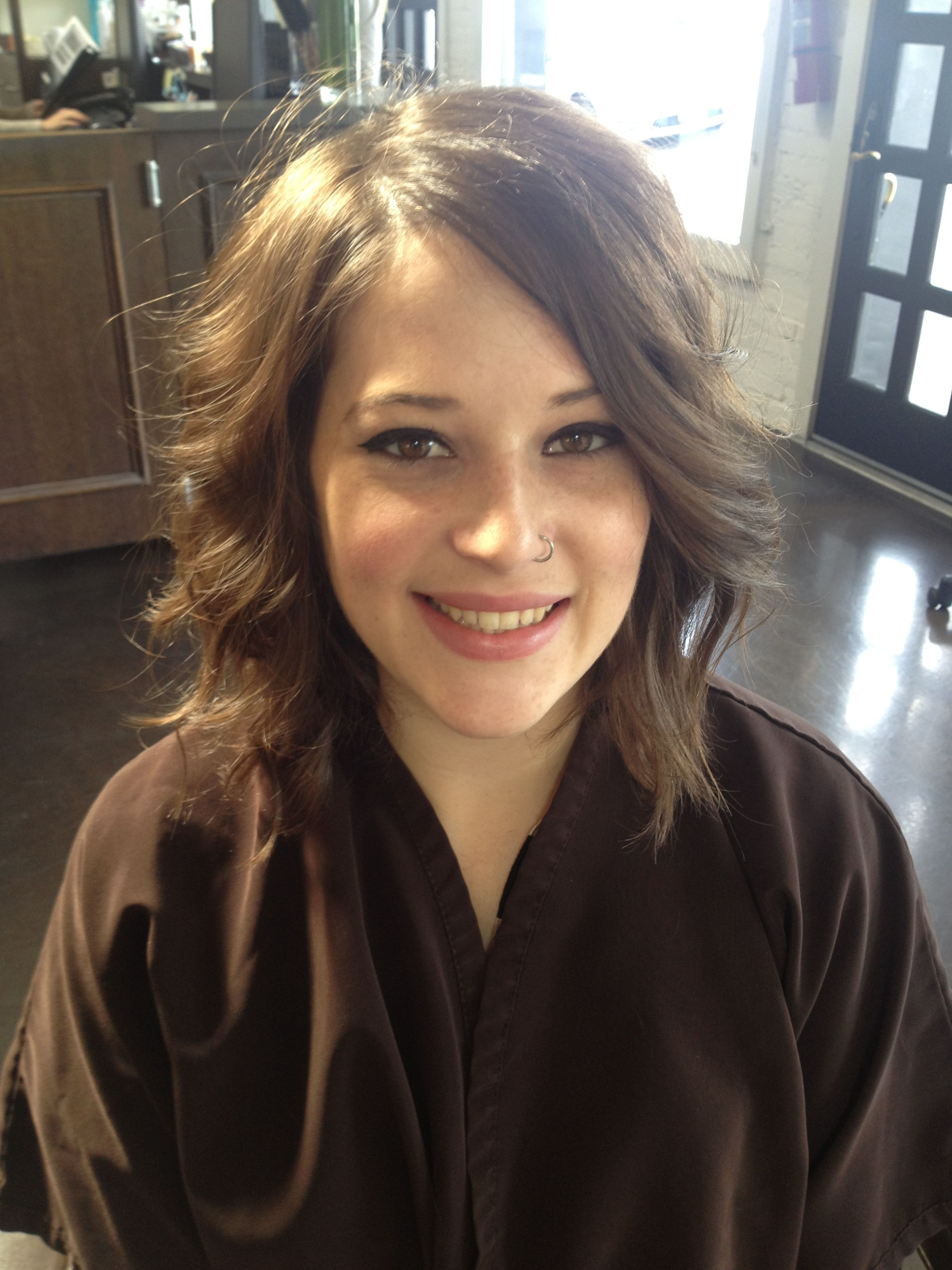 Shoulder Length Hairstyles for Beautiful Women
