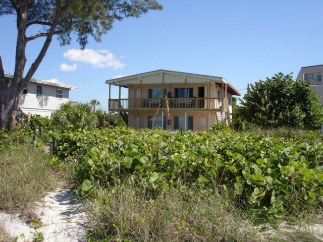 Beachside vacation rental condos at 2420 Beach Rd ...