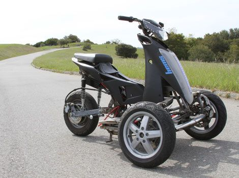 Sway Is An All Electric Tilting Trike Scooter Three Wheel Electric Scooter Trike Scooter Electric Scooter