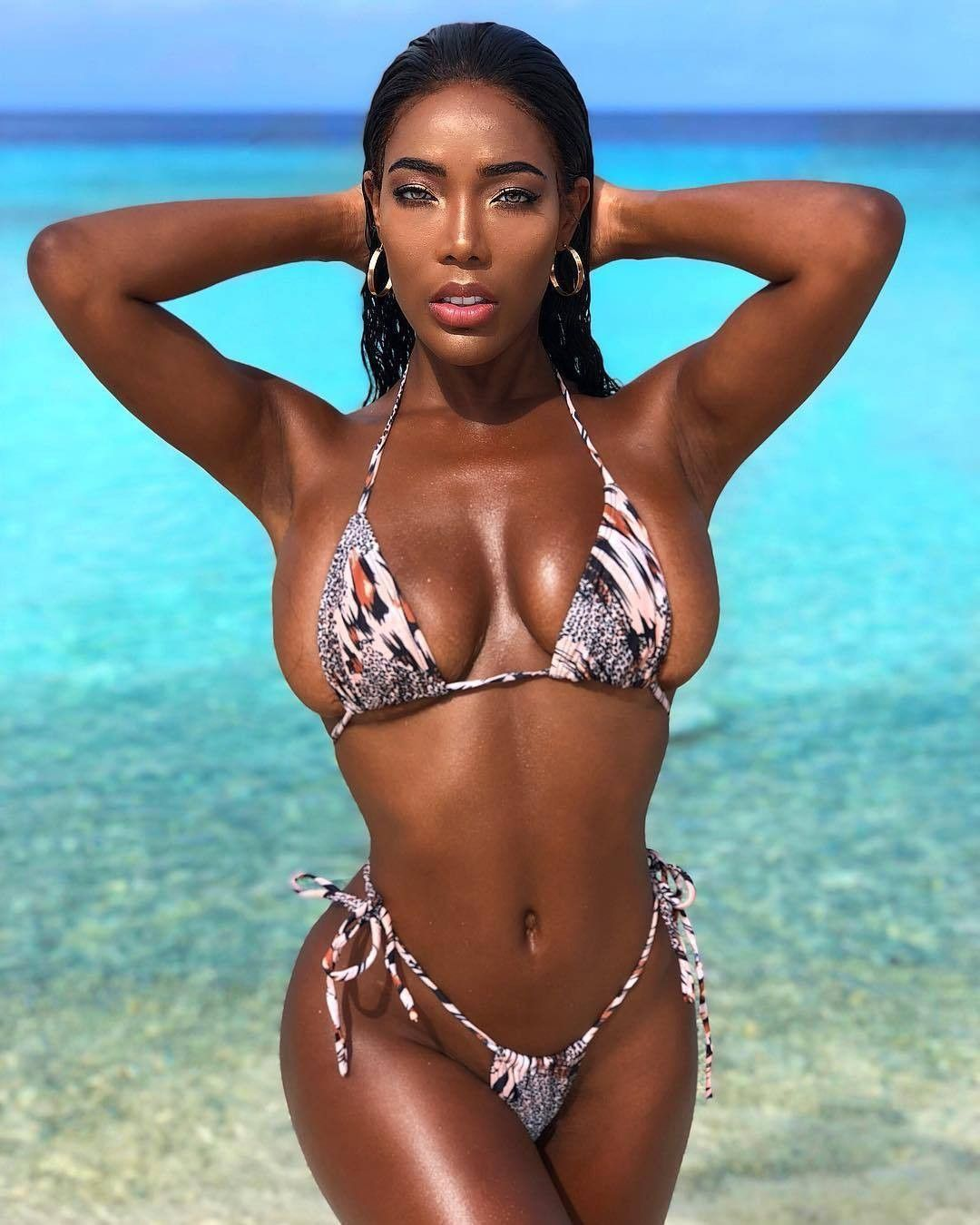 861ea6ada5 Pin by Kevin Don on Sexy Sistas | Bikini girls, Sexy ebony, Sexy