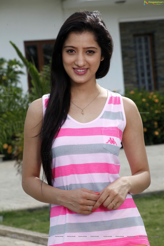 Richa Panai (High Definition) Image 122 Telugu Actress