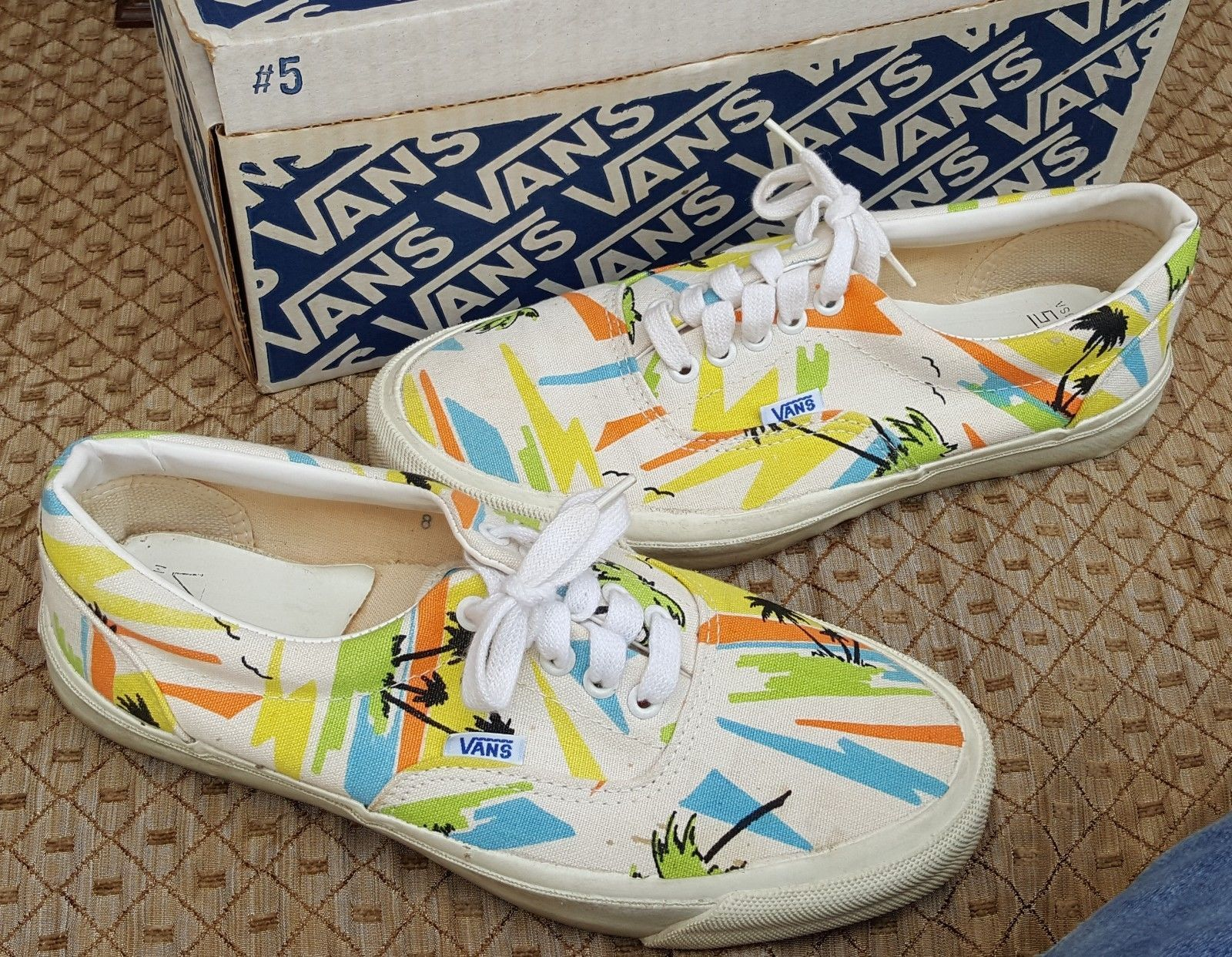 afb00abe4ea4db Vtg Original USA 1970s 1980s Vans Off The Wall Skateboarding Shoes in Box  Size 8 Sneaker