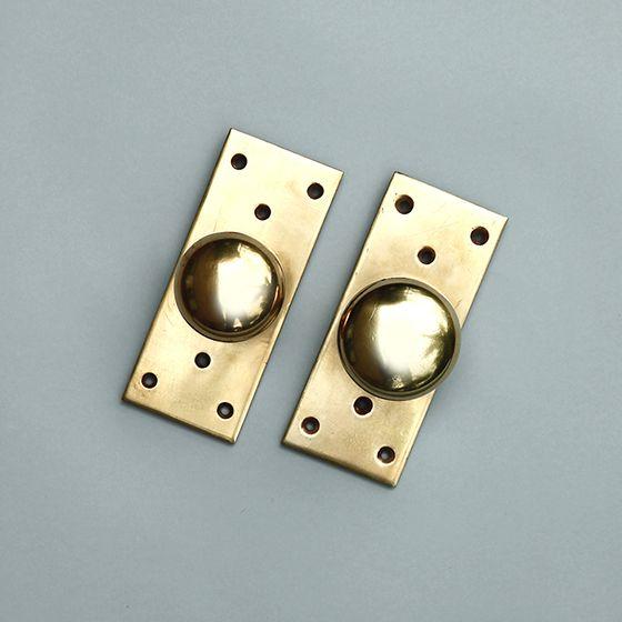 アンティーク 真鍮無垢のドアノブ 座金が長方形 店舗 住宅ドアなどに