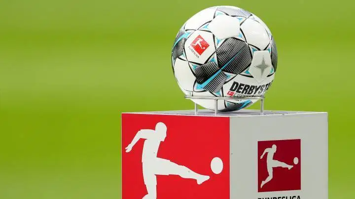 Official Germany Gives Bundesliga Permission To Resume Football Soccer News Latest Headline Insiderbroadcast Tr In 2020 German Football League Germany Dortmund