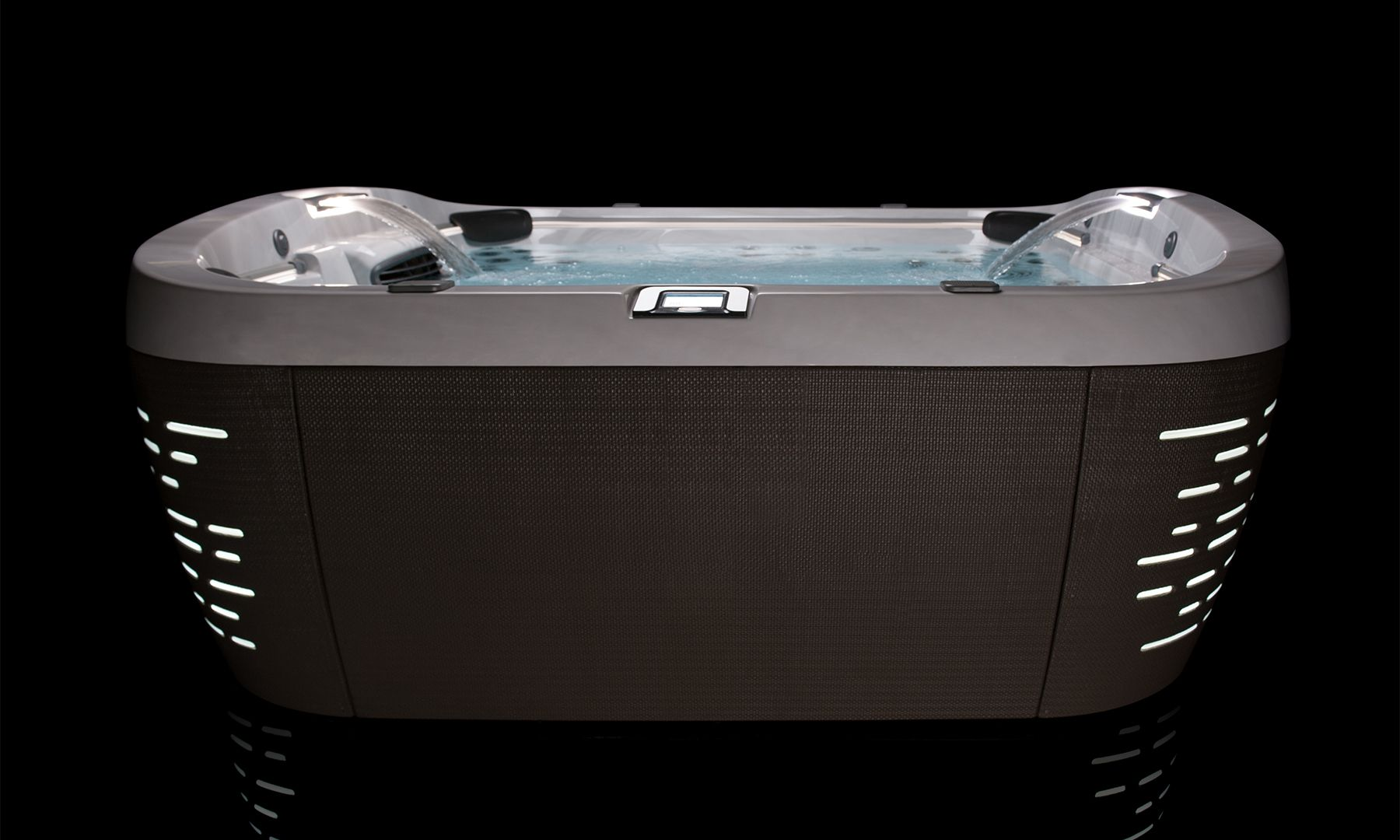 High Tech Homes And Smart Home Technology Dujour Jacuzzi Tub Home Technology Jacuzzi