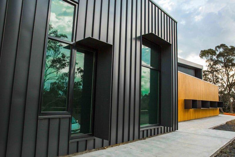 Kilmore Hospital Features Snaplock And Nailstrip By Facade House Exterior Cladding Facade Architecture