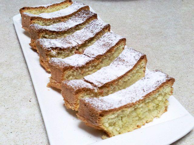 עוגת טורט מקמח שקדים של אמונה בוארון. המתכון כאן: http://www.foodsdictionary.co.il/Recipes/5075