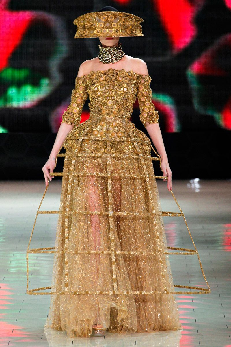 048358e0ff1a3 9. Alexander McQueen Spring 2013. Crinoline Period. Understructure used  during this period for fullness.