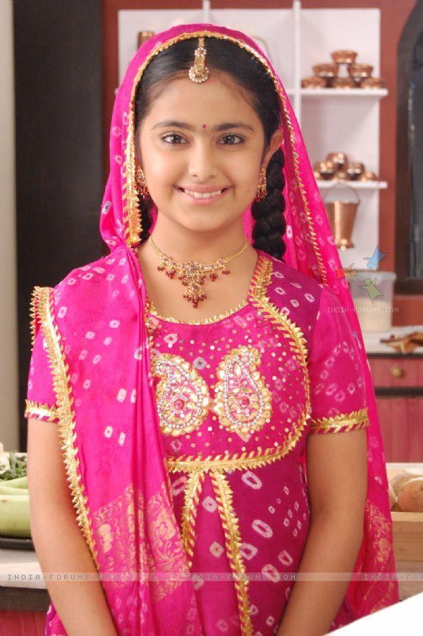 Avika Gor In Balika Vadhu Serial Beauty Saree Sonakshi Sinha