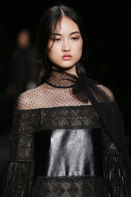 Valentino Autumn – Winter 2015-16 Ready to Wear – GeorgiaPapadon