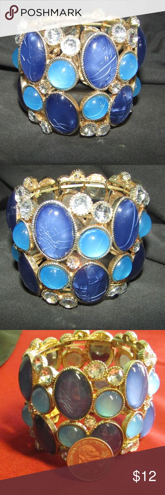 Blue crackle glass & rhinestone cuff bracelet NWOT A large