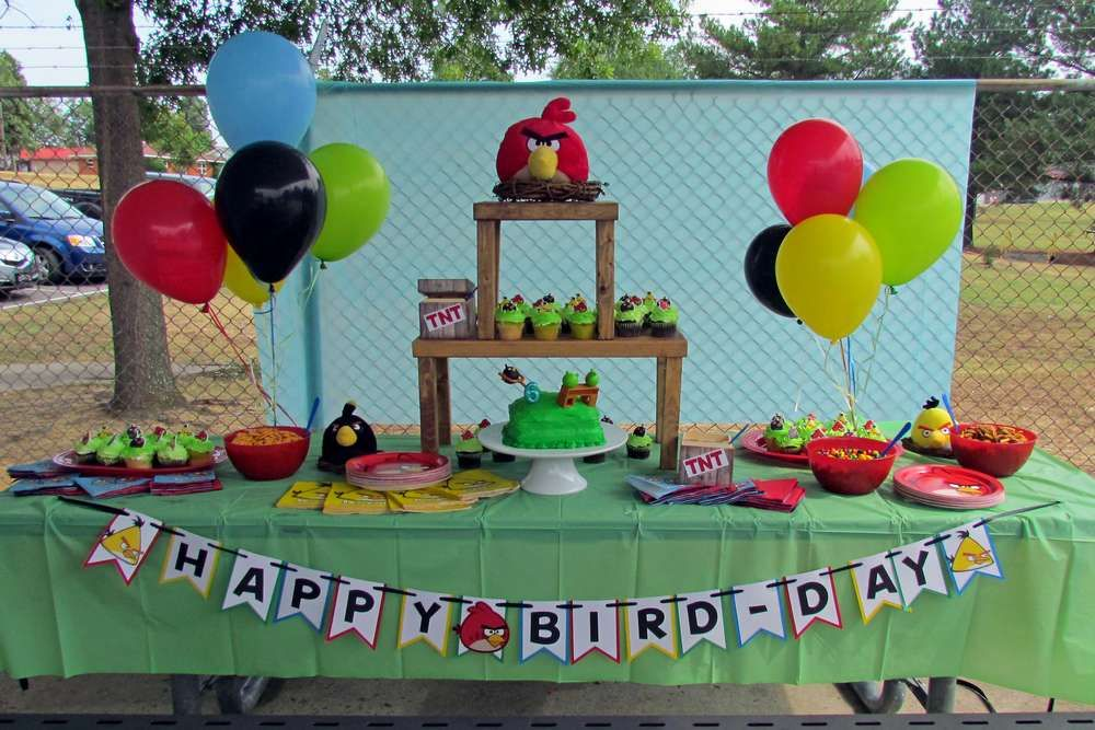 Angry Birds Birthday Party Ideas | Photo 1 of 8 & Angry Birds Birthday Party Ideas | Bird birthday parties Angry ...
