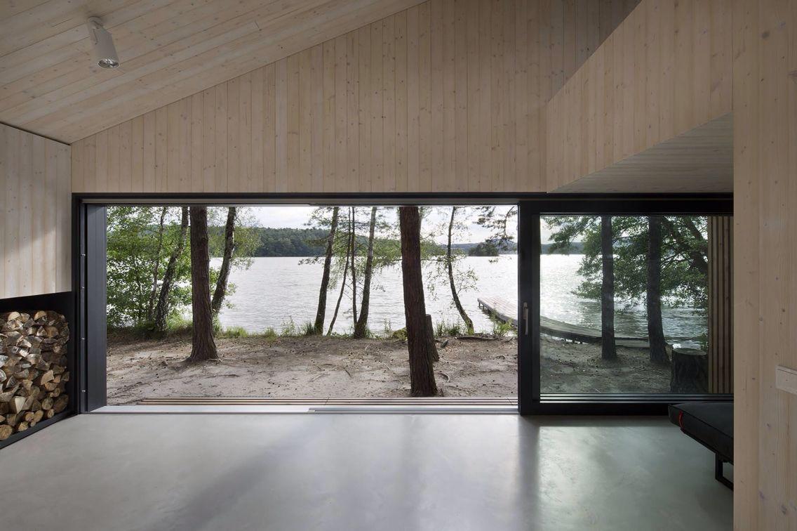 House Lake house Midsummer dreams