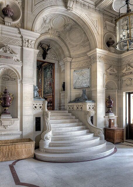 Why are the Chateaux still Architectural marvels? Just study the details in this one photo. I am still studying them, Leo Dowell Interiors. - Best Images and pictures Blog #architecture