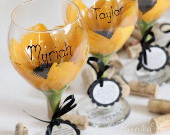 #Bridesmaid hand painted wine glasses in a #sunflower design.  FREE personalization, you choose the qty. #JudiPaintedit