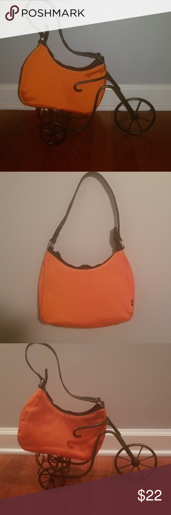 f1779e4299b Tommy Hilfiger Small nylon purse orange bag Very good, pre owned condition.  Has main