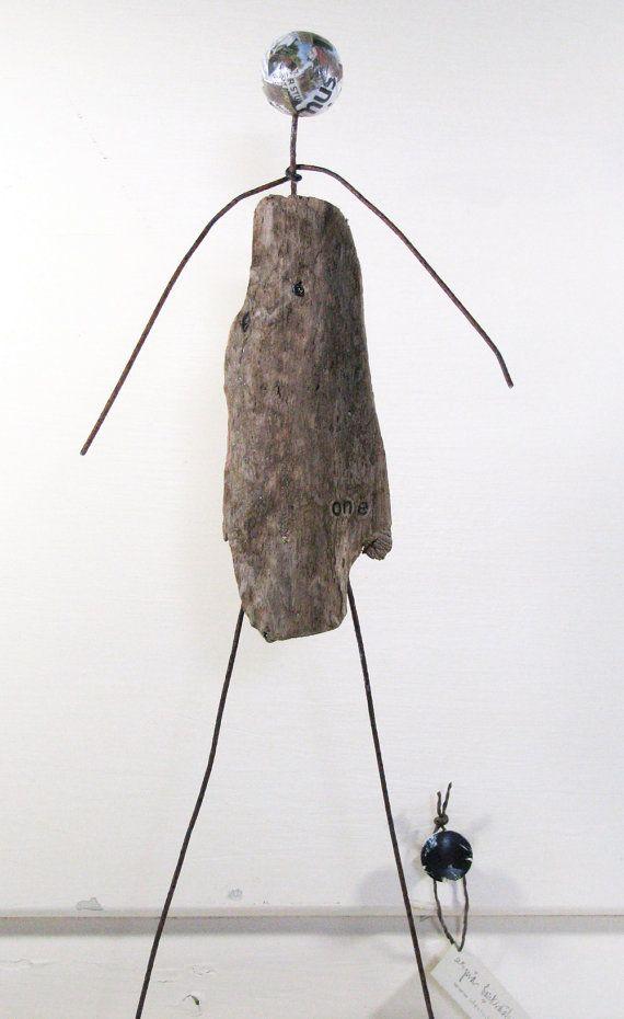 Eine Erde Treibholz und Draht Skulptur die | Ideen mit Treibholz ...