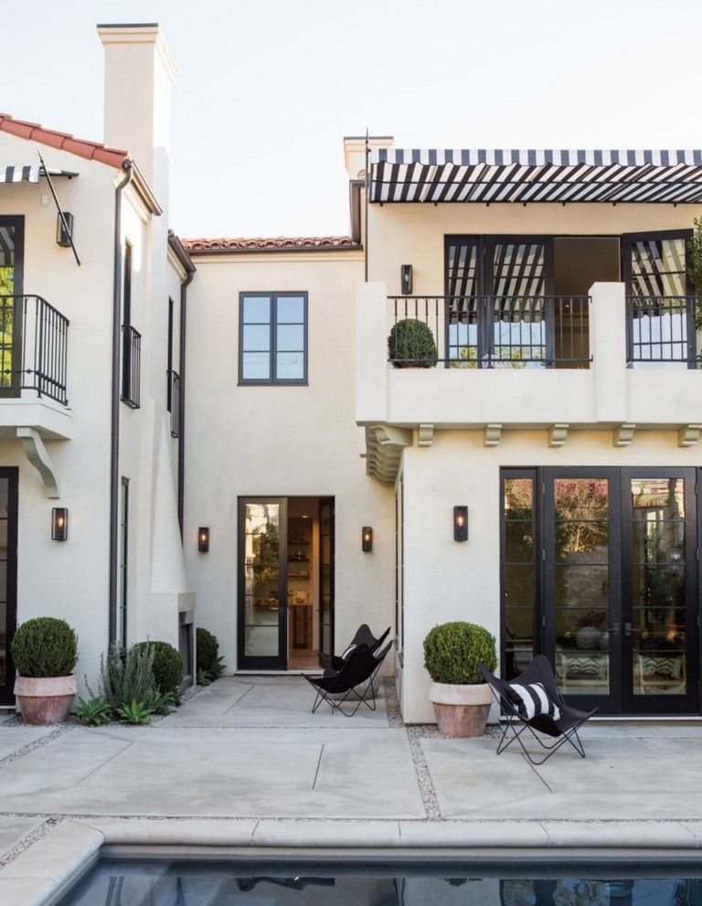 38 Awesome Spanish Style Exterior Paint Colors You Will Love Mediterranean Homes Spanish Style Homes Mediterranean Style Homes