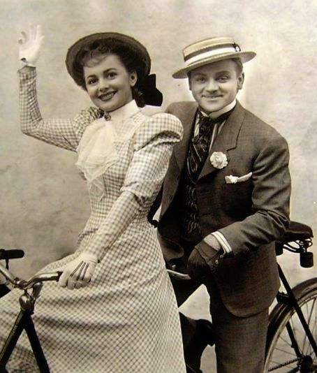 James Cagney and Olivia de Havilland - The Strawberry Blonde - 1941