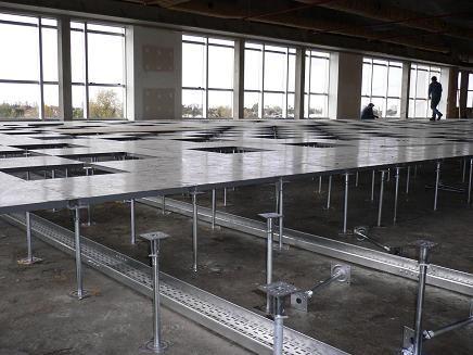 Raised Floor Being Installed Windowed Data Center Data Center - Data center raised floor weight limits