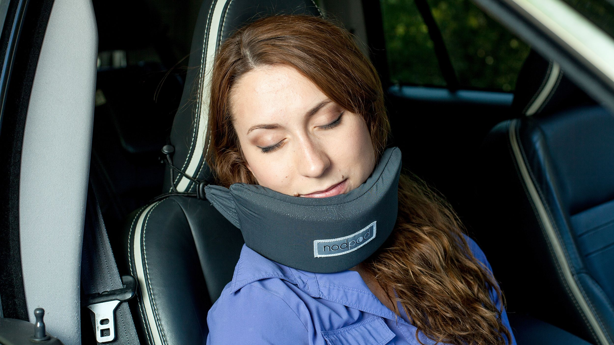 Head Hammock Neck Pillow Promises You Can Finally Sleep On A Plane Sleeping On A Plane Neck Pillow Neck Hammock