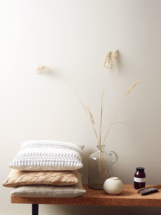 Jotun Lady 9918 Klassisk Vit White Walls Living Room White Wall Paint White Paint Colors Latest motif jotun room paint
